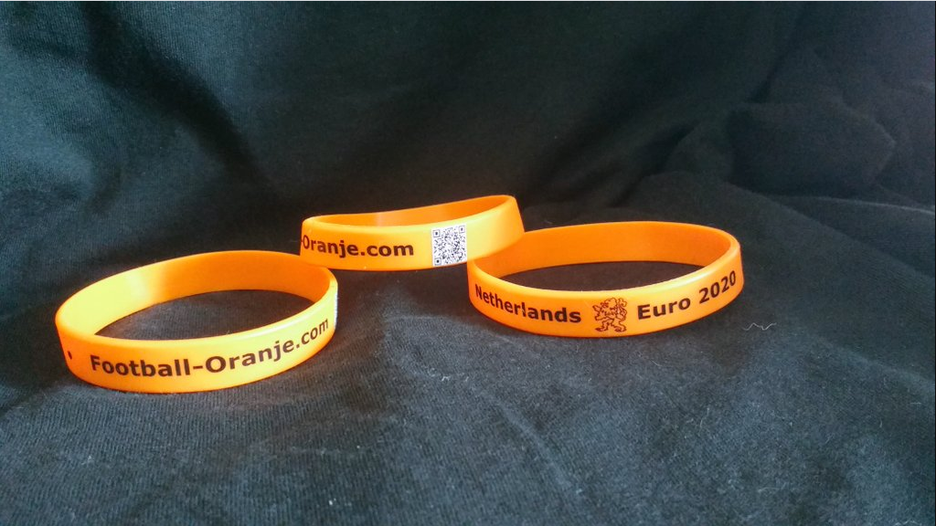 Football-Oranje Merchandise – Support us by buying your own Netherlands Euro 2020 wristband!